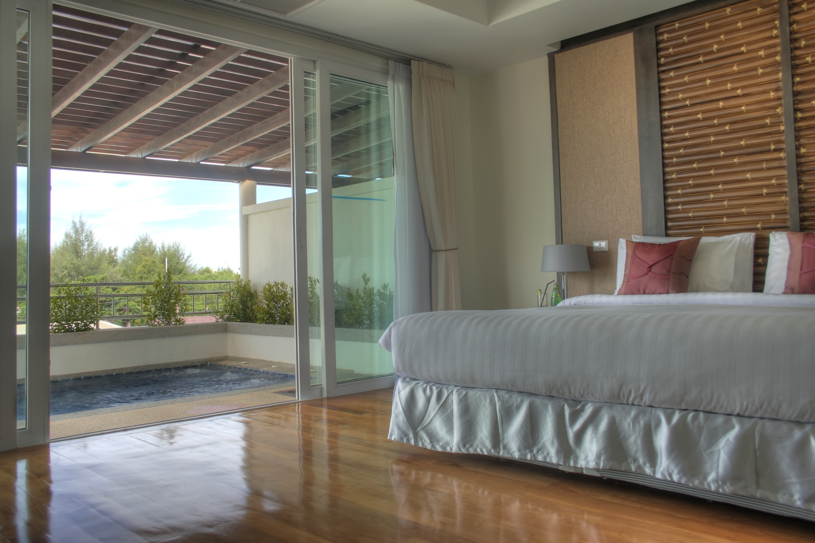 4 Ways Sliding Doors Add Value To Your Home